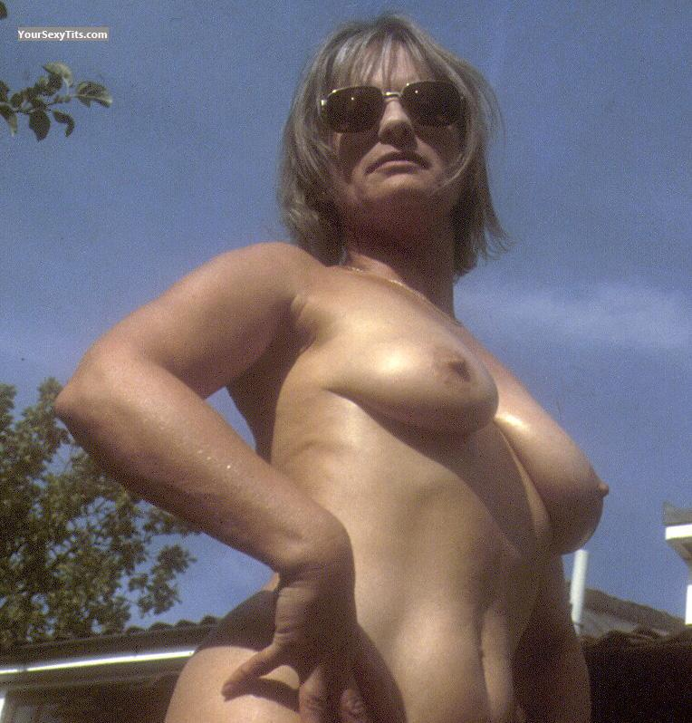 Tit Flash: Medium Tits - Topless Fay from United States