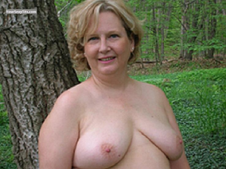 Tit Flash: Medium Tits - Blondie from United States