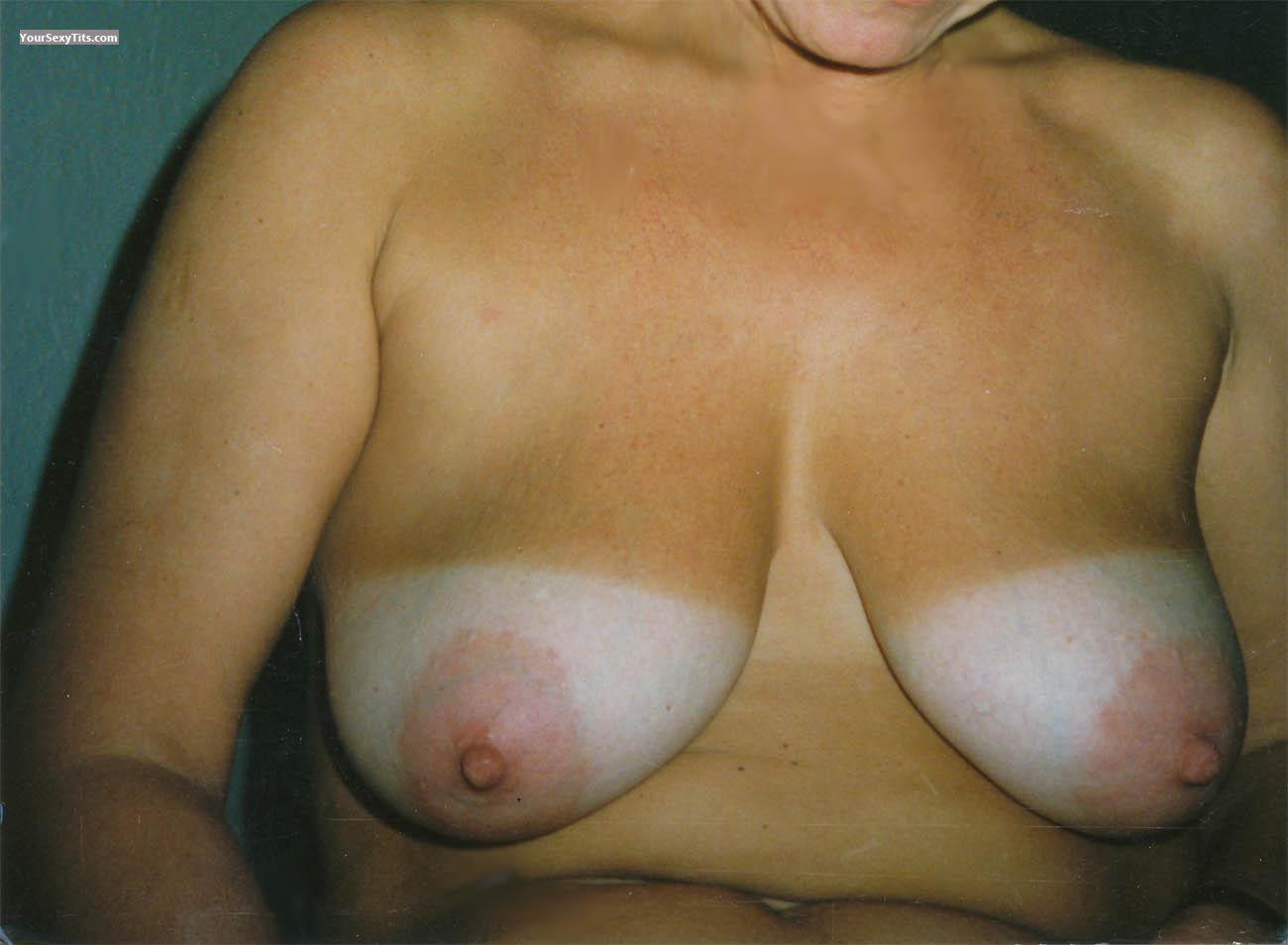 Tit Flash: Medium Tits - Topfoto from Germany