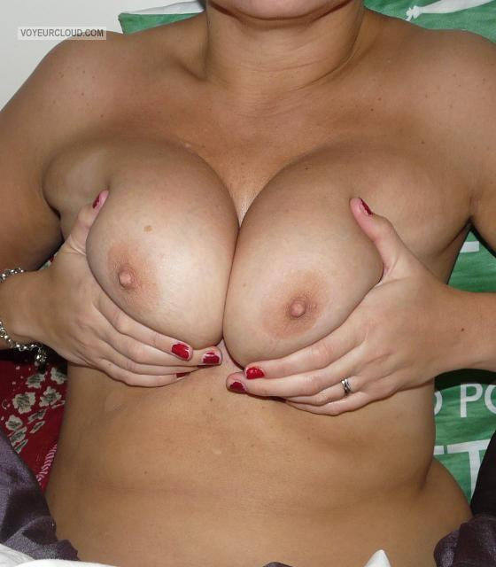Medium Tits Of My Wife Hornywife