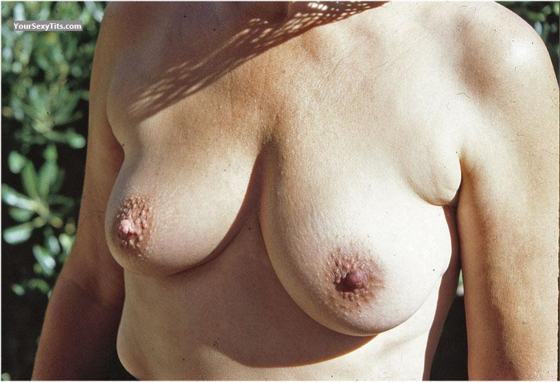 Tit Flash: Medium Tits - Hanna from Germany
