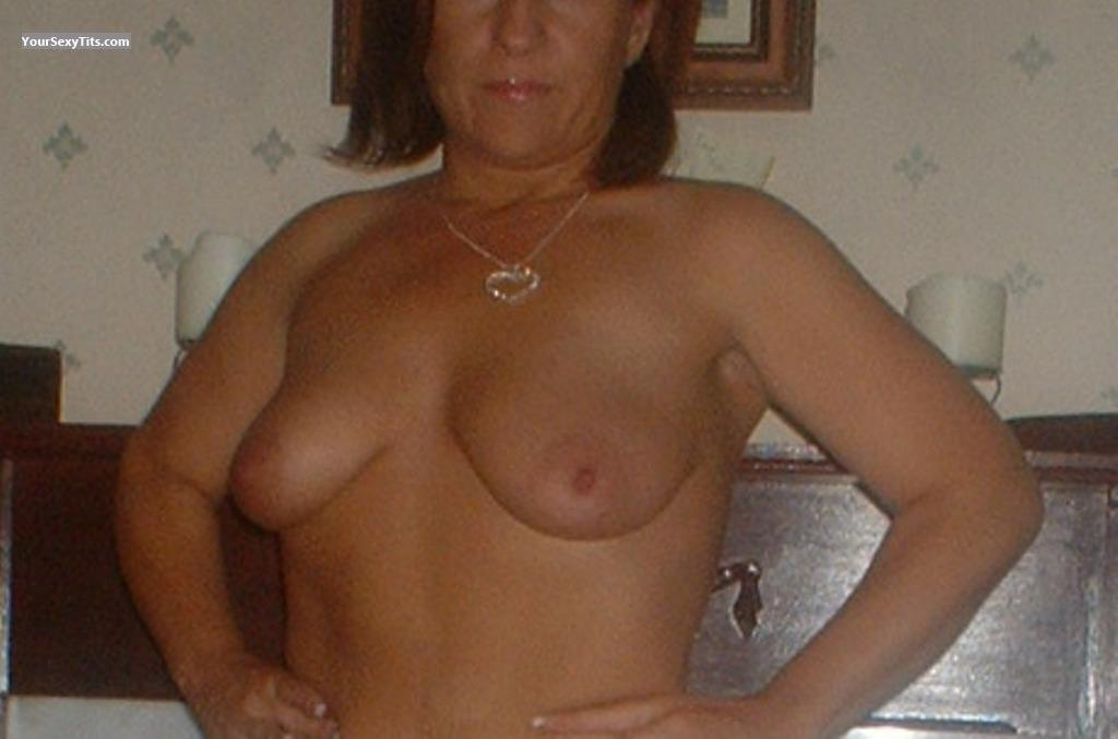 Tit Flash: Medium Tits - Highland from United Kingdom
