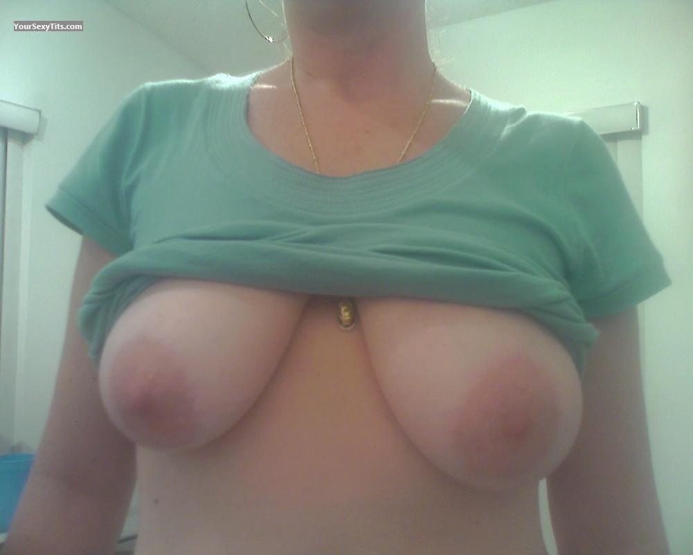 Tit Flash: Medium Tits - DixieGirl71 from United States