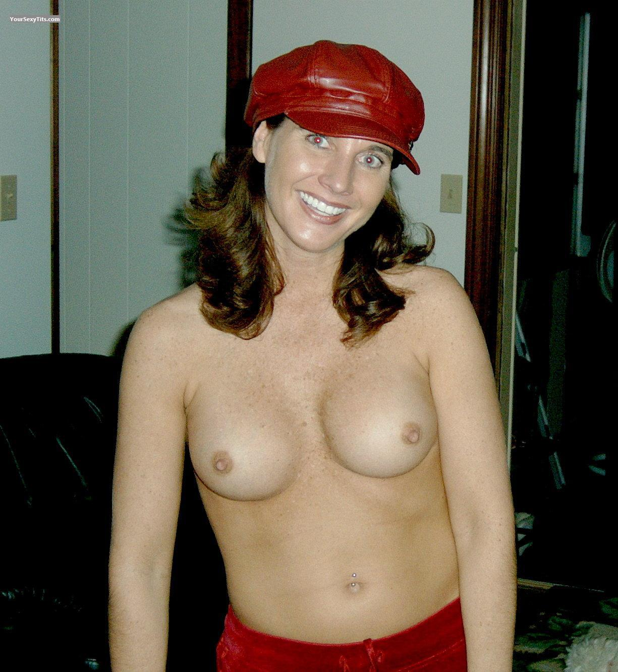 medium tits - topless flirt from united states tit flash id 7126