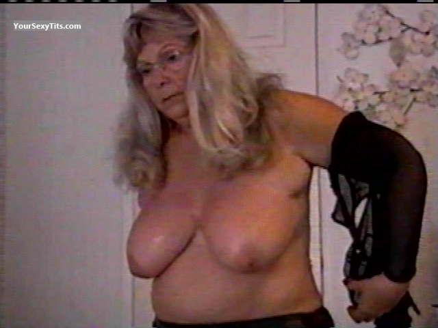Tit Flash: Wife's Medium Tits - Topless Granny from United States