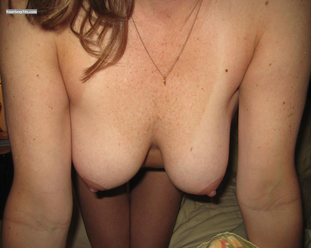 Tit Flash: Medium Tits - Amy from United States