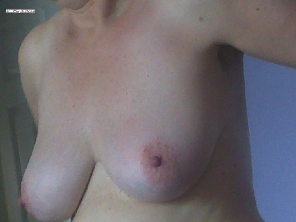 Tit Flash: Medium Tits - Tigger from United Kingdom