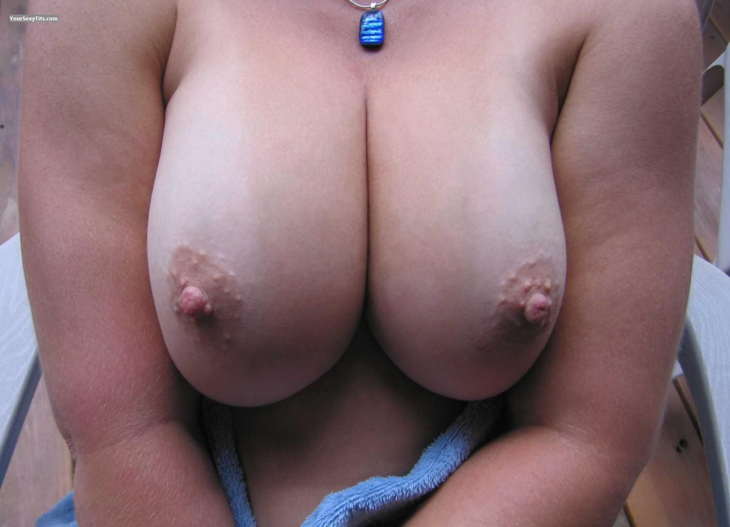 Big Tits Faans Flasher