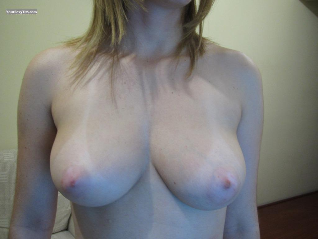 Tit Flash: Medium Tits - Safada from Brazil