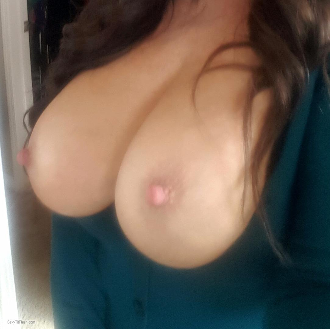 my medium tits (selfie) - kayla from united states tit flash id 221197