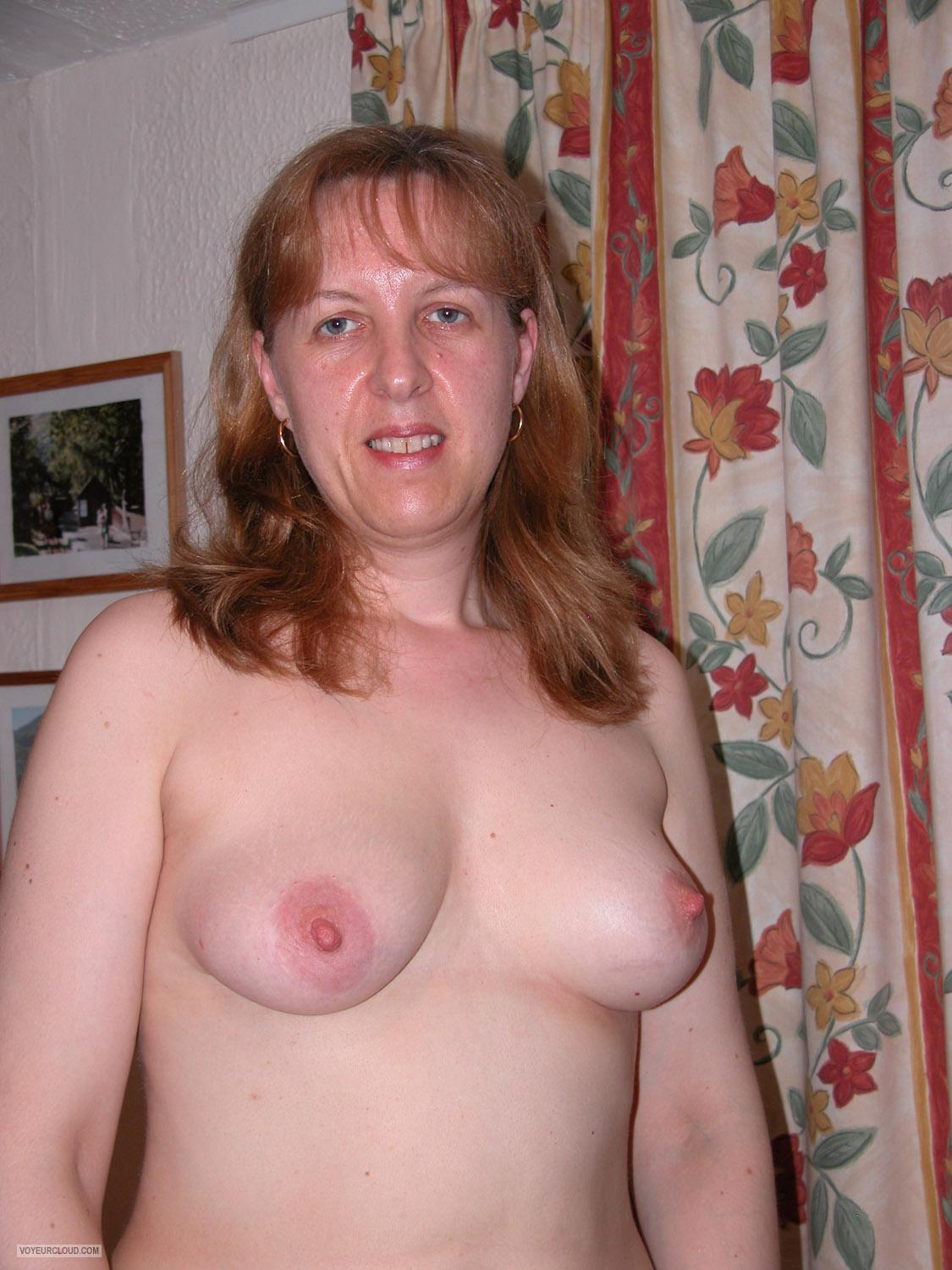 Medium Tits Of My Wife Topless English Wife