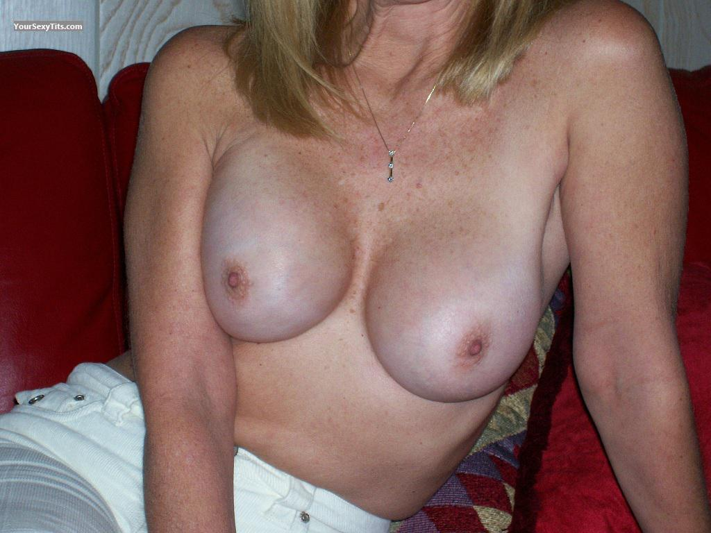 Tit Flash: My Medium Tits - Sue from United States