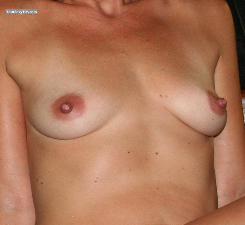 Medium Tits Sue72