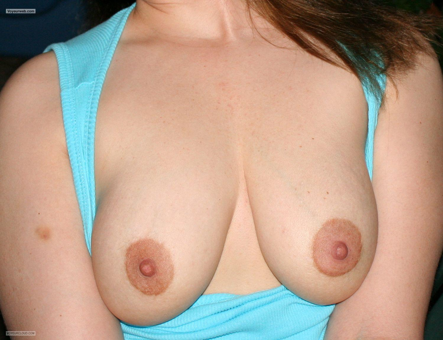 Tit Flash: Wife's Medium Tits - Tw from United States