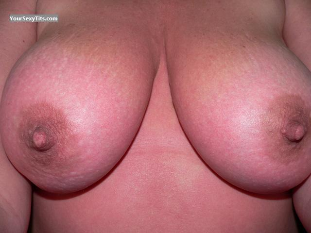 Tit Flash: My Medium Tits (Selfie) - Bob's Girl from United States