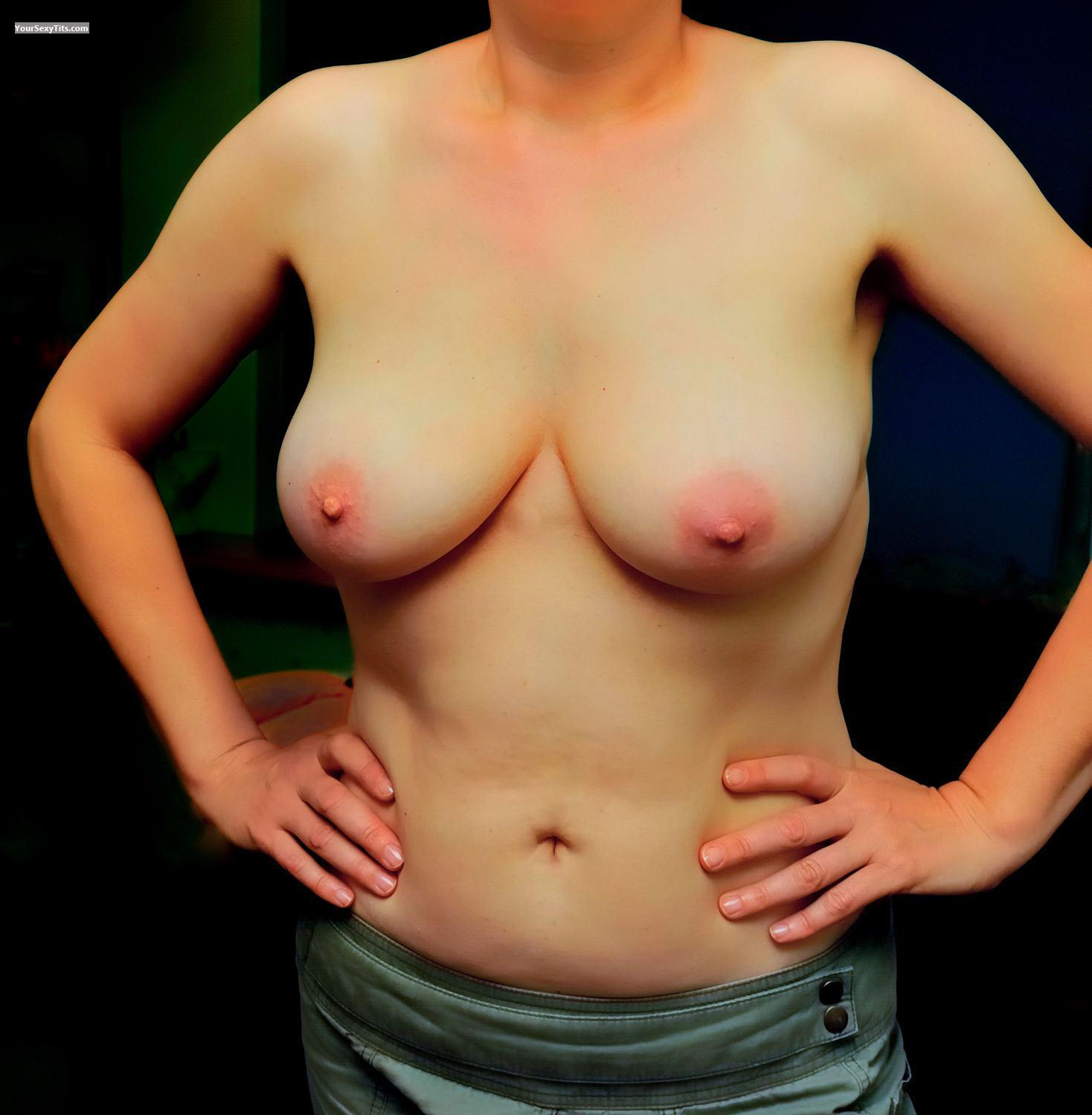 Tit Flash: Medium Tits - Ringo from Netherlands Antilles