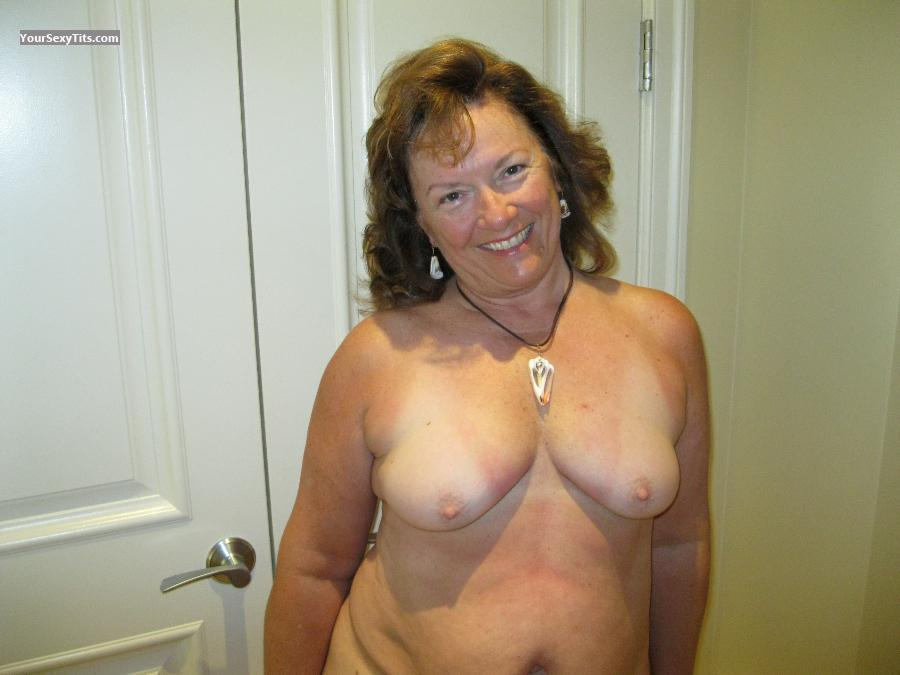 Tit Flash: Medium Tits - Topless Karenkri from United States