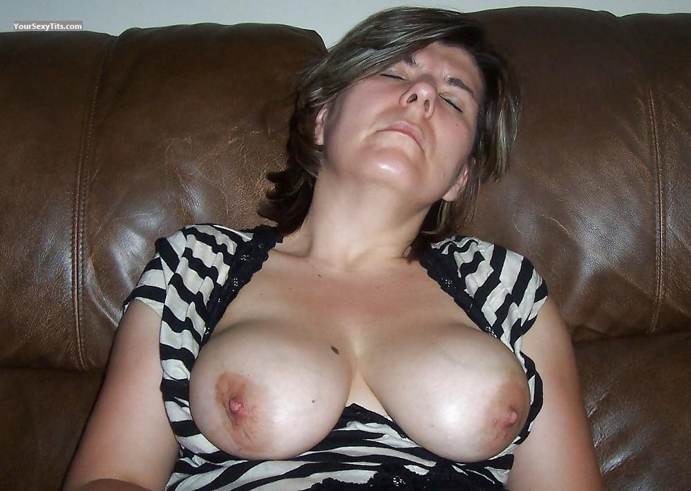 Medium Tits Of My Wife Topless Mary11