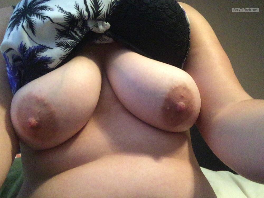 My Medium Tits Selfie by Sexysarah