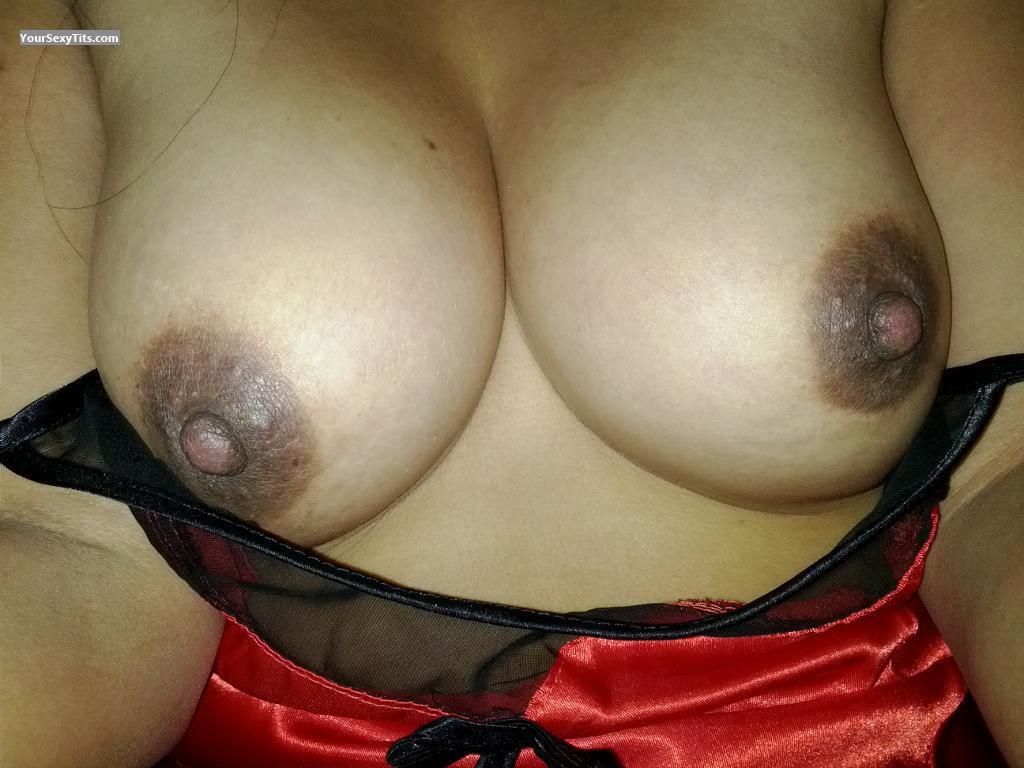 Tit Flash: Wife's Medium Tits - ElastiGirl from Philippines