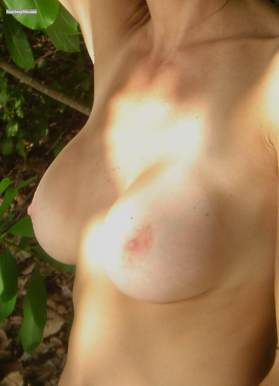 Tit Flash: Medium Tits - Elle from United States