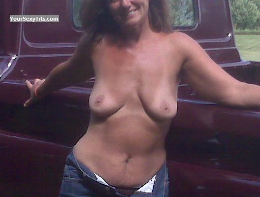 Tit Flash: Medium Tits - Jainie from United States