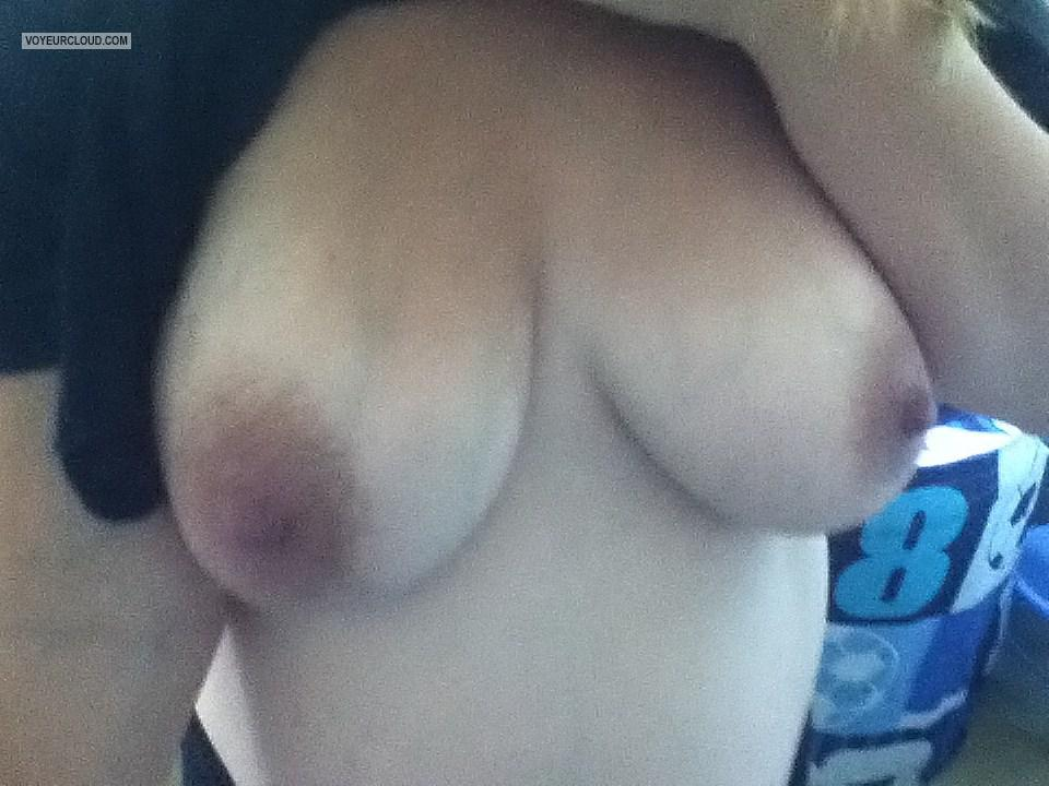 Medium Tits Of My Wife Cougar100