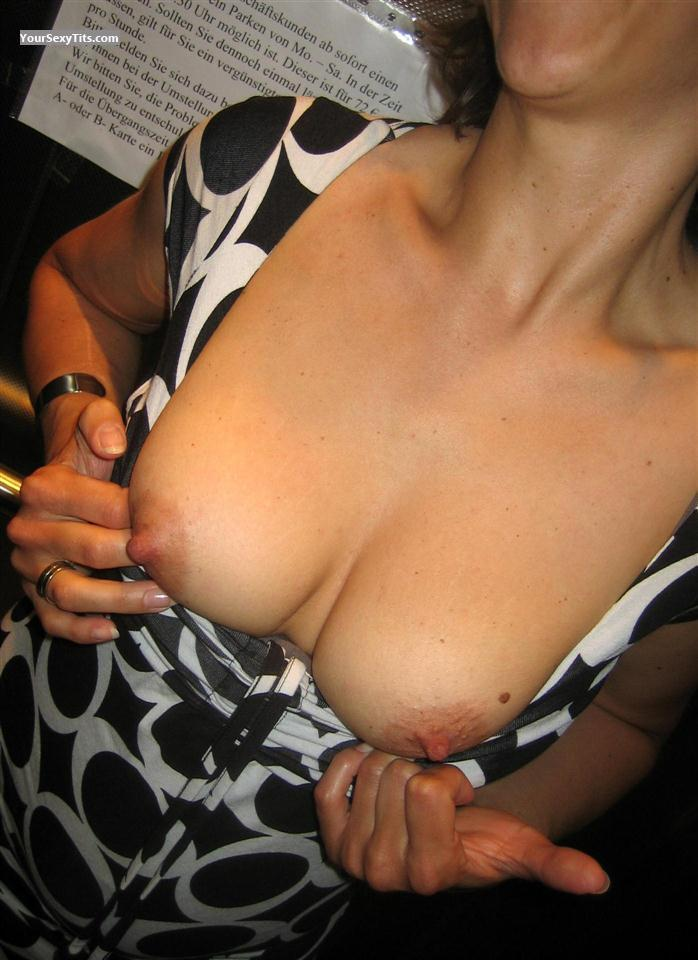 Medium Tits Loreley