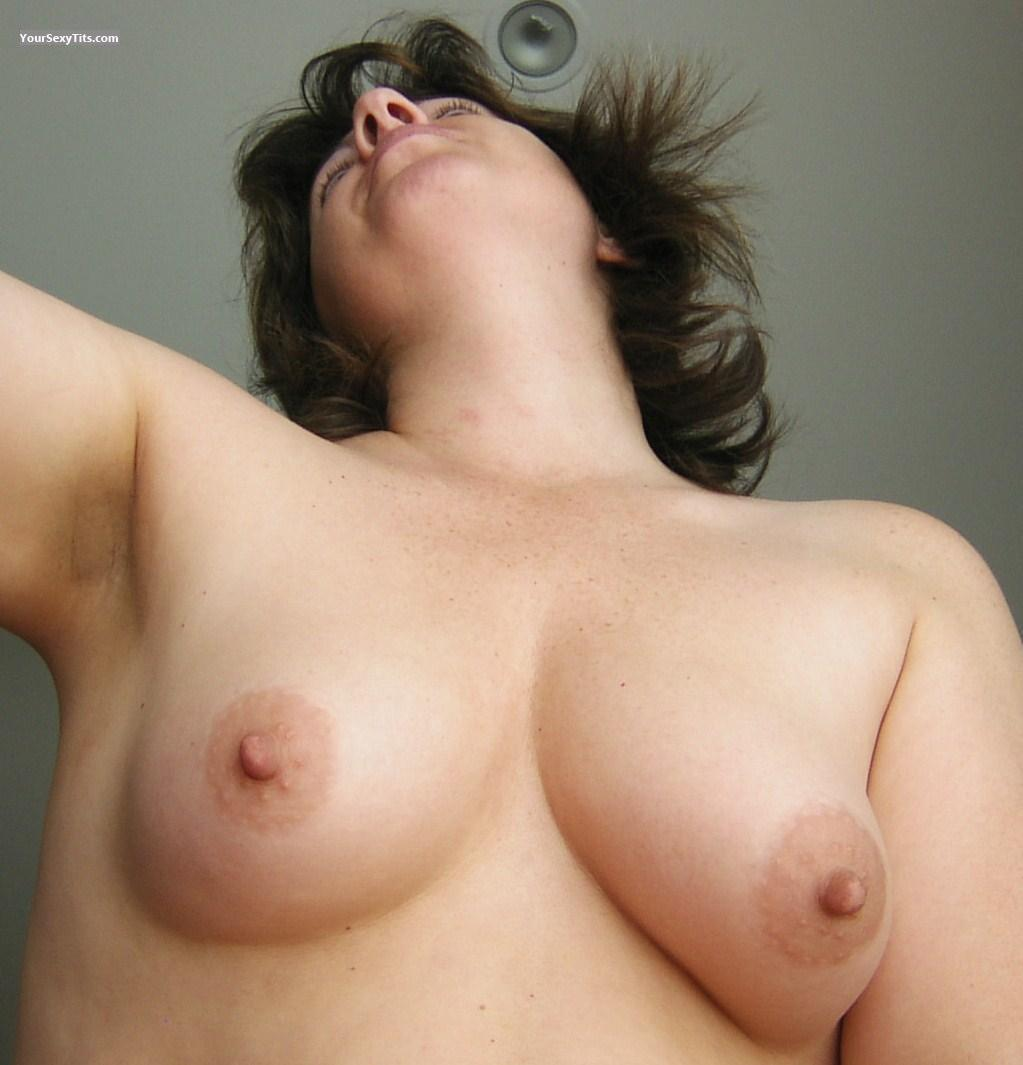 Tit Flash: Medium Tits - Dee from Australia