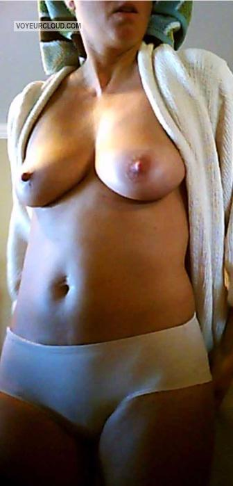 Tit Flash: Wife's Medium Tits - Natural 34-D from United States