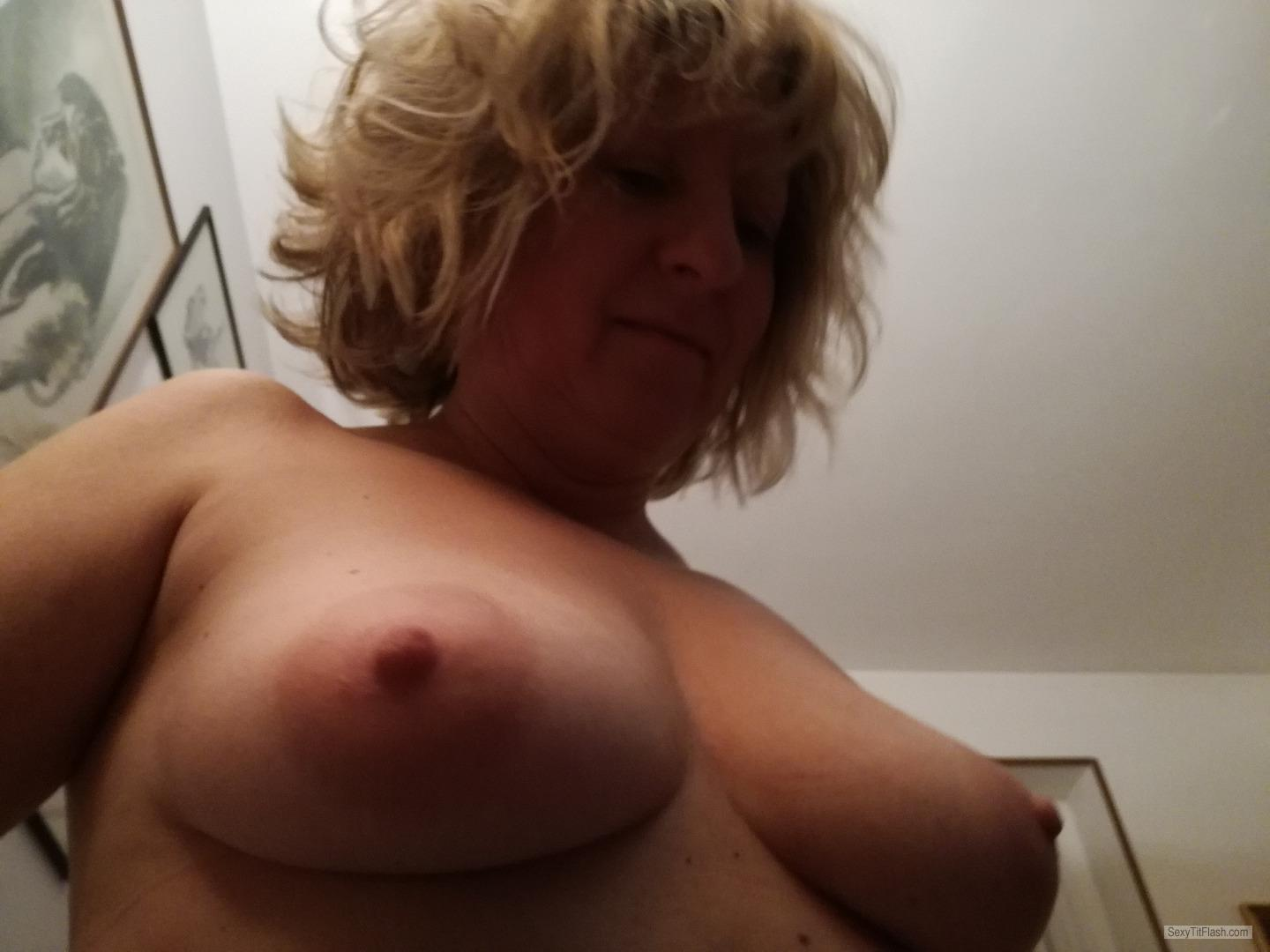 My Medium Tits Topless Elisa