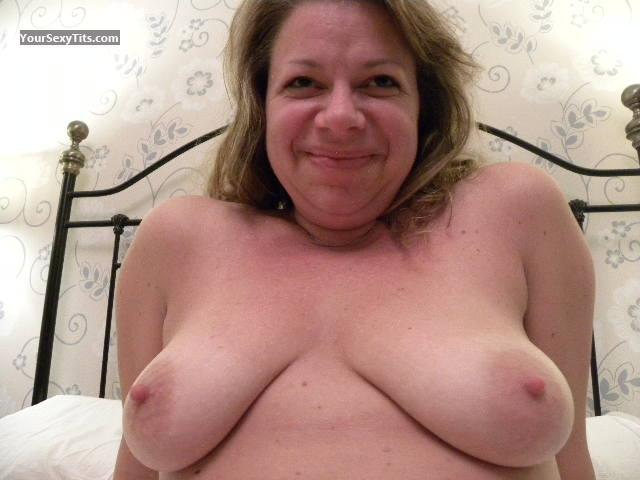 Tit Flash: Medium Tits - Topless Kinky from United Kingdom