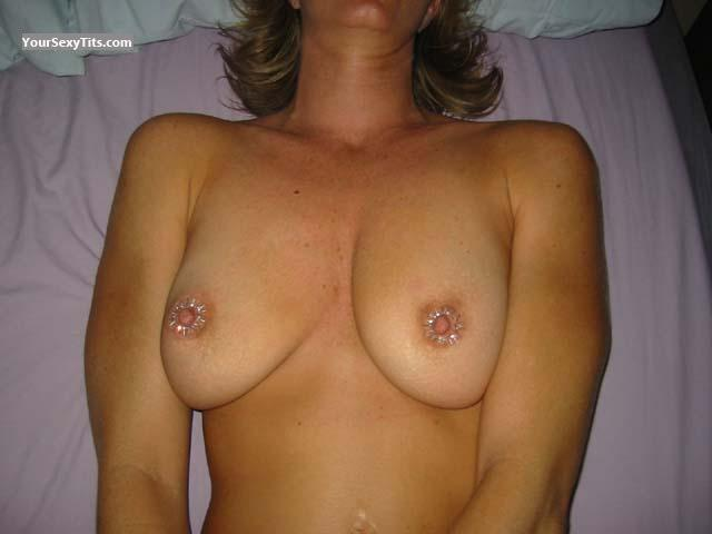 Medium Tits LAS