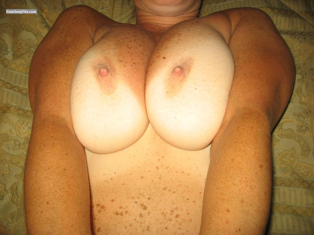 Tit Flash: Medium Tits - Sue from United States