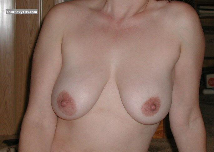 Tit Flash: Medium Tits - HP from United States