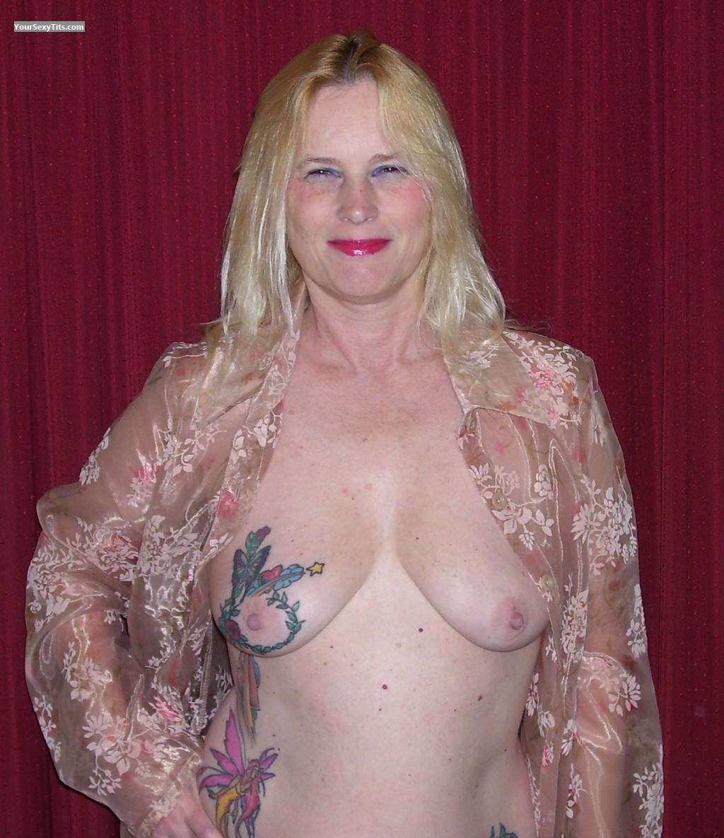 Tit Flash: Medium Tits - Topless Little Miss Linda from United States