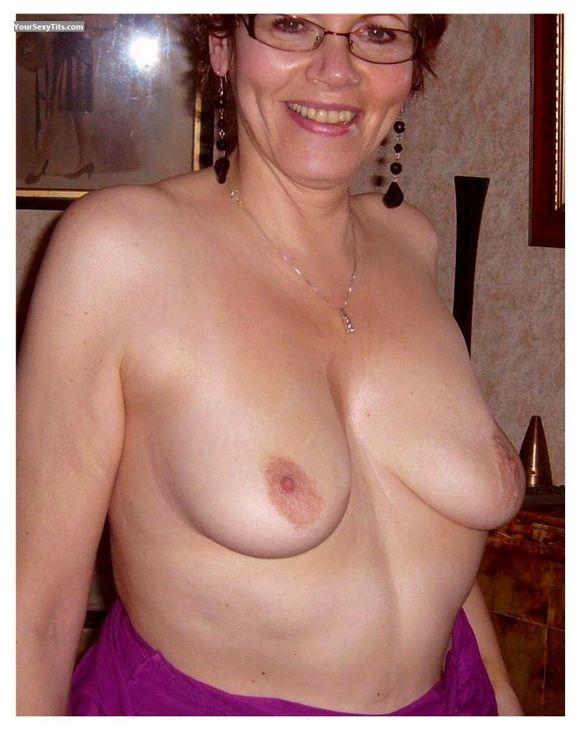 Tit Flash: Medium Tits - Uk Belinda from United Kingdom