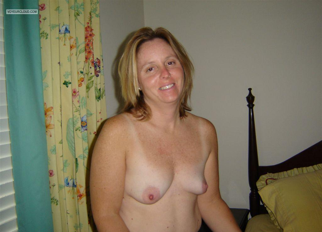 Milf naked video