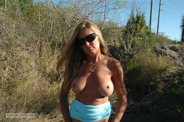 Tit Flash: Wife's Medium Tits - Topless Superhotwife from United States