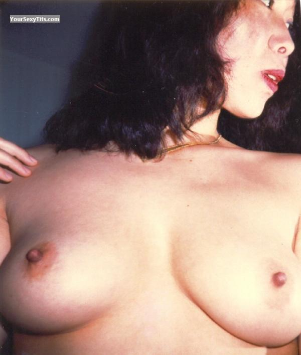 Medium Tits Of My Wife Topless Susie