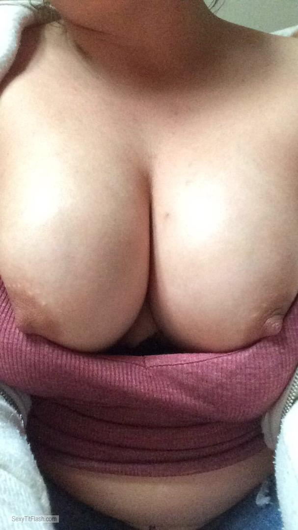 Medium Tits Of My Girlfriend Topless Nice Tittys