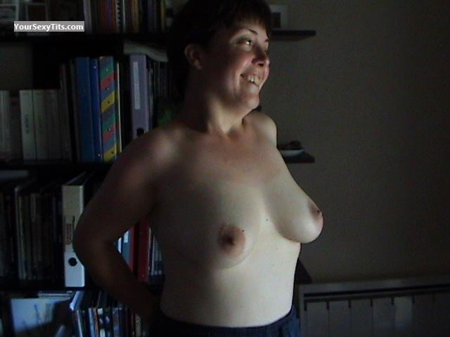 Tit Flash: Medium Tits - Topless Rowan from France