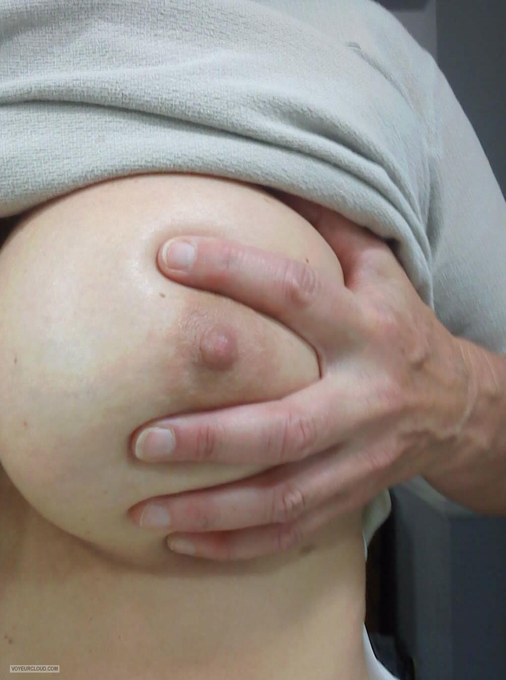 nude-girl-selfi-hand-on-tits