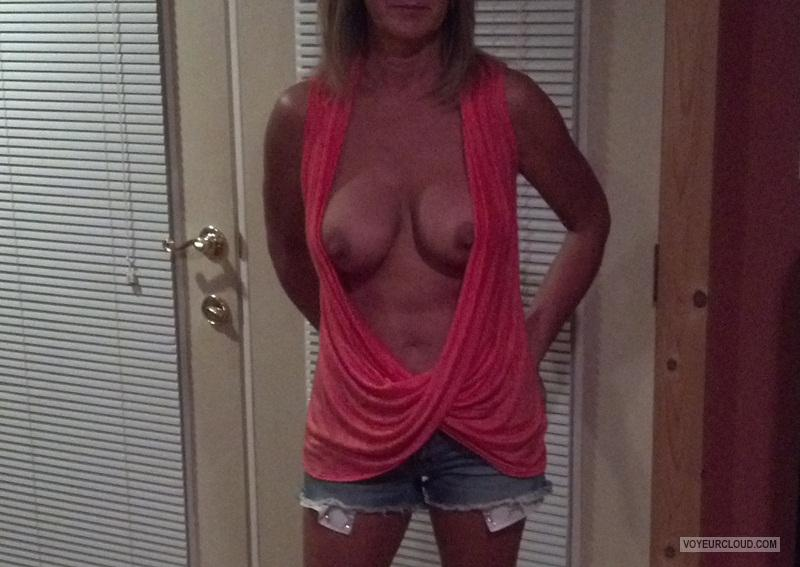 Tit Flash: Wife's Medium Tits - Hot Wife from United States