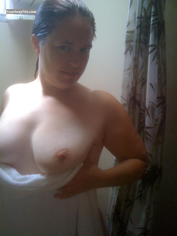 Medium Tits Showergurl