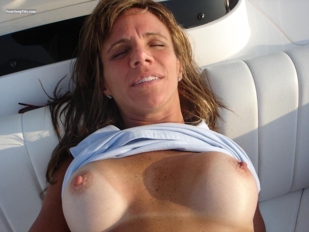 Medium Tits Topless Anna