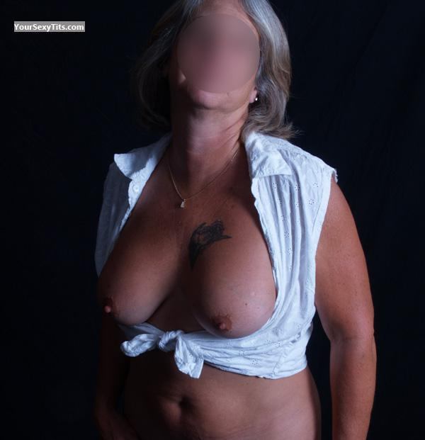 Tit Flash: Wife's Medium Tits - Fchic from United States