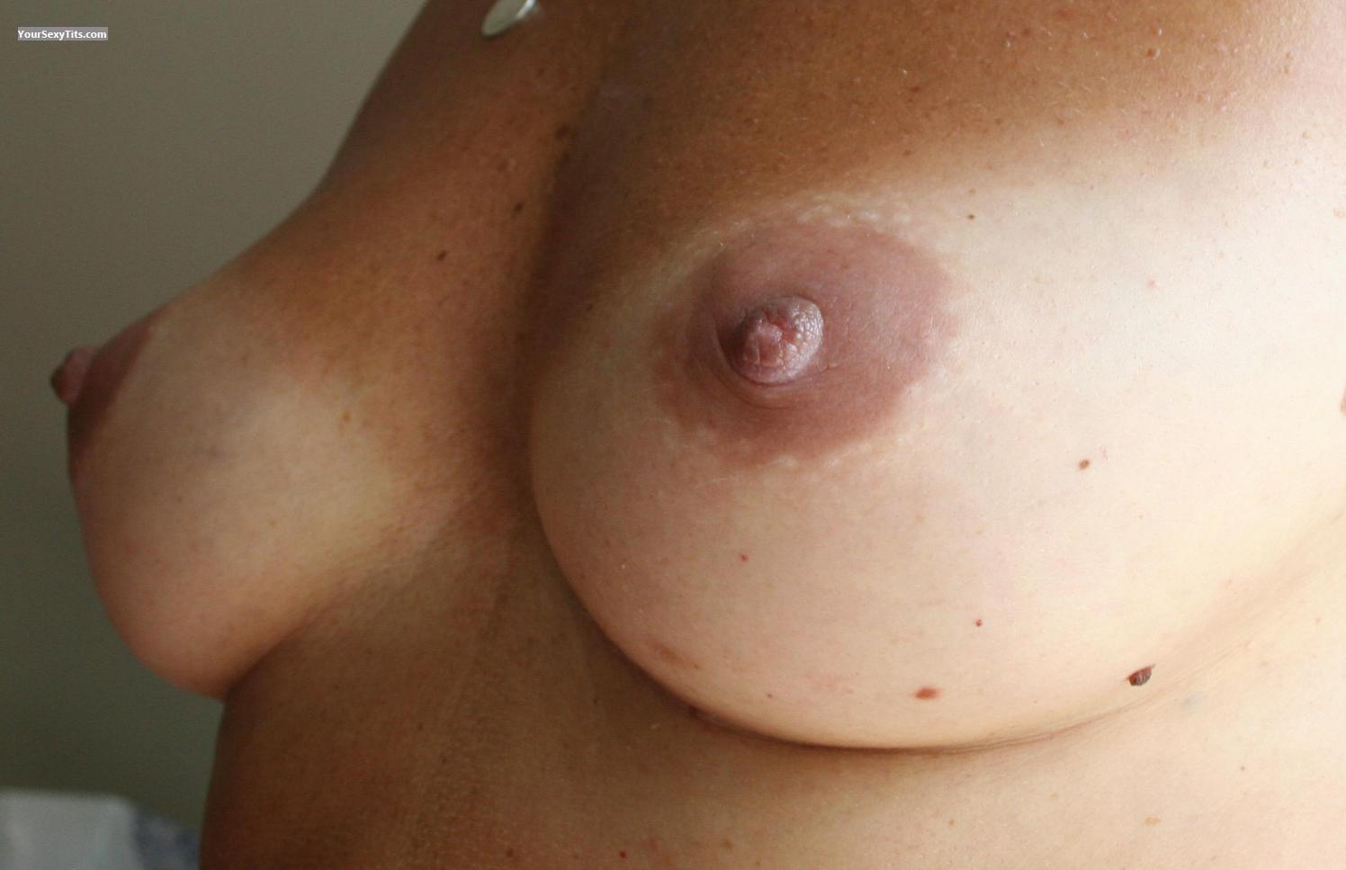Tit Flash: Medium Tits - Bunny from France