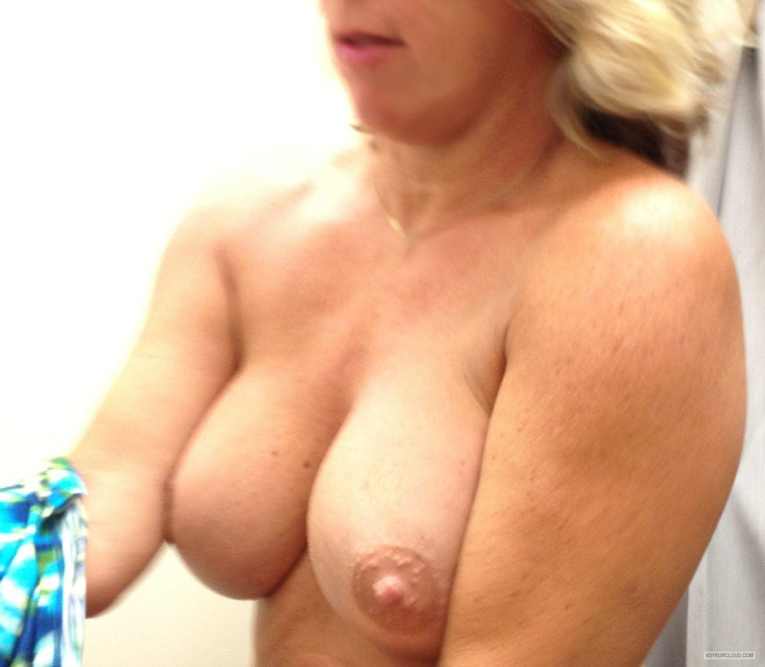 Tit Flash: Wife's Big Tits - Summer Sun from United States