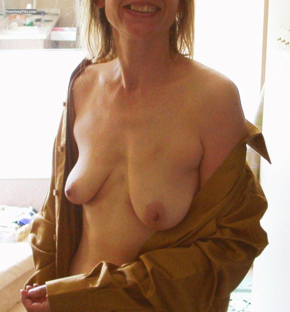 Tit Flash: Medium Tits - Hrnynhappy from Canada